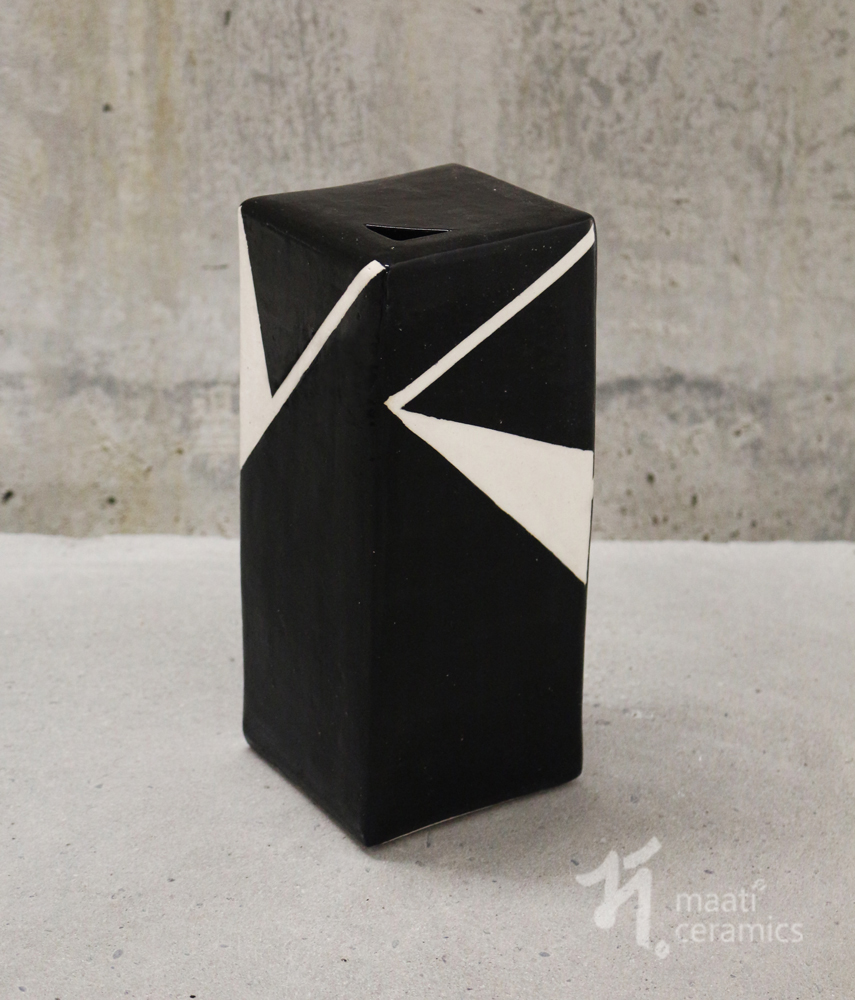 Geometric-vase_web.jpg